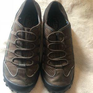 Metallic bronze leather slip on Privo! Shoes W8.5